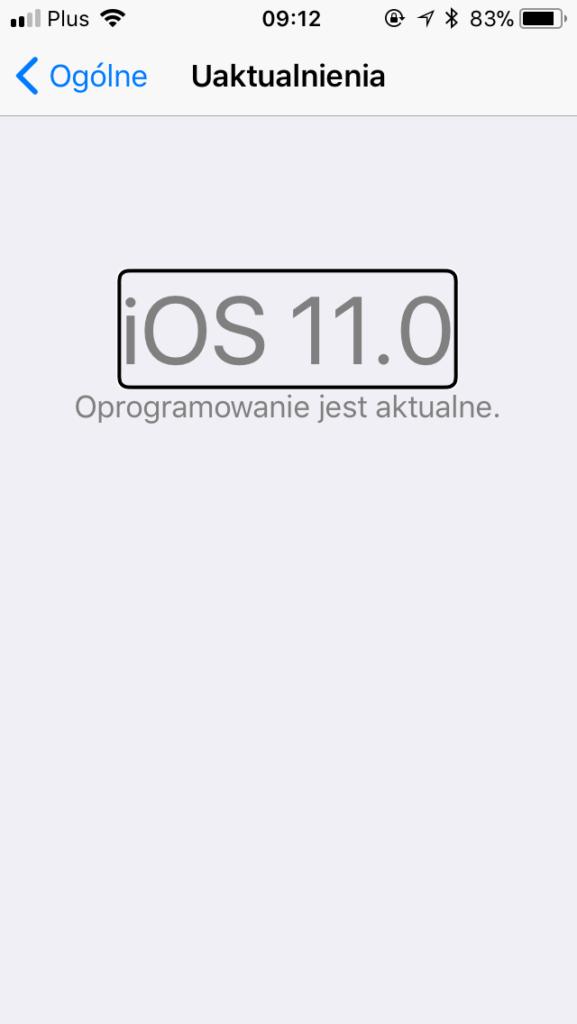 Zrzut ekranu z iPhone - Widok opcji Uaktualnienia z informacją: iOS 11 – Oprogramowanie jest aktualne